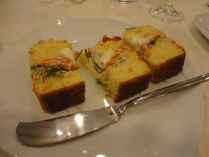 サーモンとクリームチーズのケーク・サレ